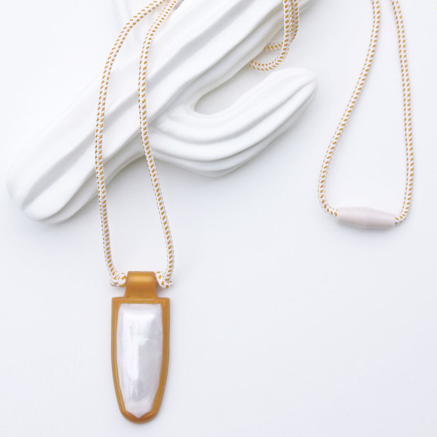 Gemma Silicone Teething Necklace by Plum Dilly